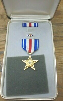 Vintage US Army Vietnam War Gallantry in Action Medal, Ribbon and Pin Set