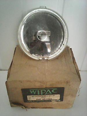 Wipac Reflector & lens set S4368 Q/H 562 NEW OLD STOCK