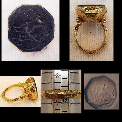 Beautiful Gold Gulied Medieval Ring with Lapis lazuli Stone Goat Intaglio