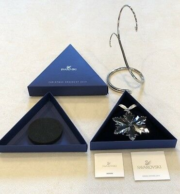 2014 Swarovski Snowflake Annual Christmas Ornament 5059026 with Swarovski Stand