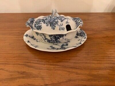 Circa 1891 Booths Royal Semi Porcelain Gravy Boat Made in England