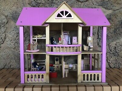 Wooden Pink Dollhouse Includes Dolls & Furniture