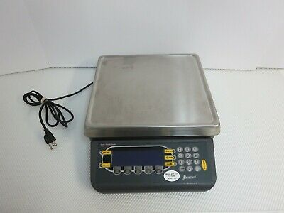 Avery Weigh-Tronix Quartzell PC-820 50 lb 25 kg Counting Scale