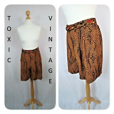 VINTAGE 70s  80s BLACK TAN GEOMETRIC HIGH WAIST SHORTS.12. RETRO BOHO CHIC CUTE