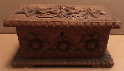 Antique Early 1900s Folk Art Hand Carved Floral Wood Jewelry Trinket Box