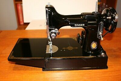 Singer Featherweight 221 Antique Sewing Machine W/case Pedal & extras AJ638637