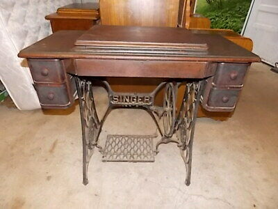 Antique Singer Treadle Sewing Machine model 15 -- circa 1902