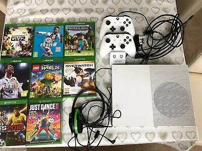 Xbox One S 500 GB 2 Controllers Charger Headset & 8 Games Minecraft Fifa 19 Lego