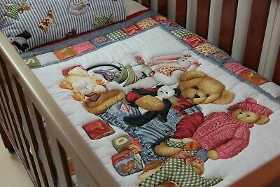 Blue Jeans & Friends Traditional Cot Quilt with pillow case
