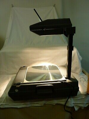 3M Model 2000 Folding Overhead Projector Good Working Condition             #Cr#