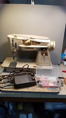 SINGER 500A SLANT NEEDLE ROCKETEER SEWING MACHINE WITH extras