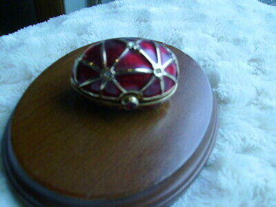Estee Lauder RED ENAMELED  EGG - SOLID PERFUME(Knowing)