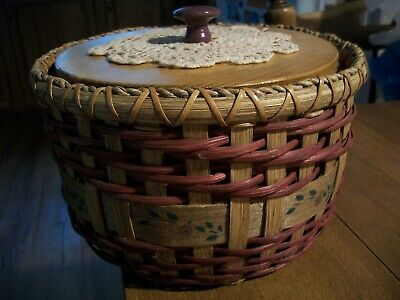 DECORATIVE WOVEN WICKER BASKET with a WOODEN LID with a Crocheted Doily on top