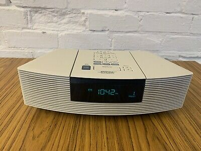 Bose Wave Music System FM RADIO/ CD PLAYER AWRC3P White