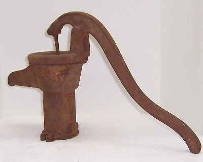 WL Davey Pump Co Rockford Il. Cast Iron Water Pump