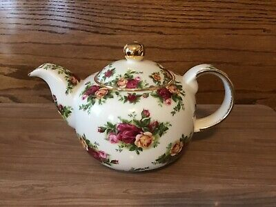 Royal Albert, Old Country Roses, Fine China Teapot, 1998