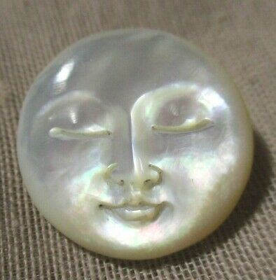 VINTAGE BEAUTIFULLY CARVED GREAT LUSTER MOTHER OF PEARL MAN IN MOON BUTTON  21mm
