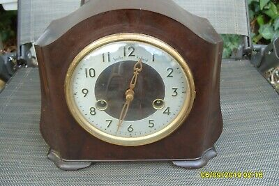 Mantel  Clock Smiths Enfield  Striking Bakelite  Key  & Pendulum