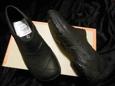 New Merrell Encore Eclipse 2 Black Leather slip-on Wmn 7 M Walk Hike MSRP $110