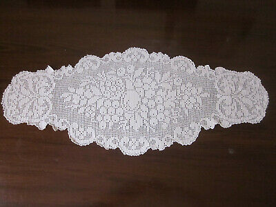 Vintage Hand Worked Cream Filet Crochet Lace Table Runner