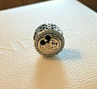 Walt Disney World Pandora ANNUAL PASSHOLDER EXCLUSIVE Castle charm Mickey Mouse