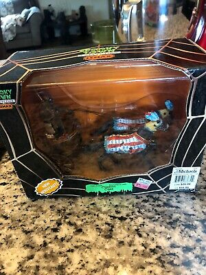 """2008 Lemax Spooky Town Collection """"CHARIOT""""  #83672~"""