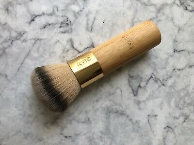 Tarte the buffer™ airbrush finish bamboo foundation brush RRP48