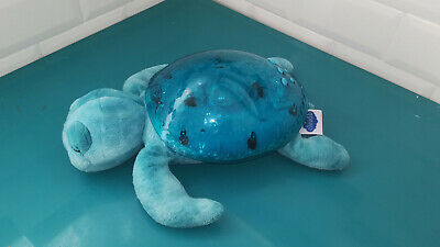 19.10.13.3 Peluche Veilleuse tortue Cloud B lumineuse musicale bleue turtle