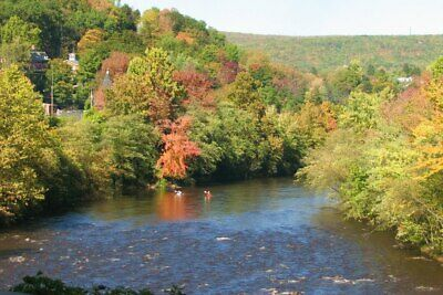 Small Lakefront Parcel of Land in the Pocono Mountains