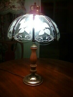 Bhs HEAVY ANTIQUE STYLE BRASS WOOD  TABLE LAMP ETCHED GLASS SHADE
