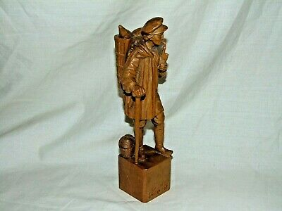 Great Detail Antique Vintage Carved Black Forest Figure Of Wild Game Hunter