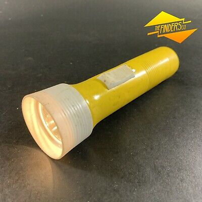 VINTAGE c.1960's METAL-BODIED EVEREADY MODEL 97399 FLASHLIGHT TORCH HONG KONG