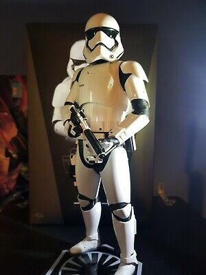 Hot Toys 1/6 Scale Figure Star Wars First Order Stormtrooper