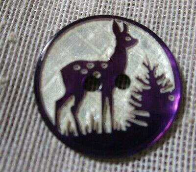 BEAUTIFUL CARVED & TINTED MOTHER OF PEARL PURPLE DEER BUTTON  18mm