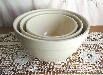 3 X VINTAGE CERAMIC MIXING BOWLS – NESTING BOWLS made in ROMANIA