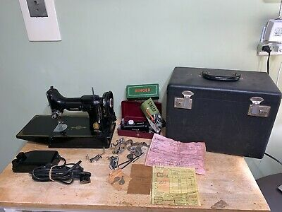 1953 Vintage SINGER 221-1 Featherweight Sewing Machine w/ Pedal, Extras & Case