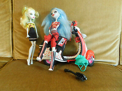 Monster High dolls 2 Ghoulia Yelps Lagoona Blue plus scooter