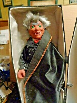 GAF Corp Motion Vampire Coffin Light Up Eyes Spooky Sound  Halloween NEED REPAIR