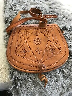 Vintage Saddle Bag Cross Body Long Strap Tooled Tan Leather VGVC