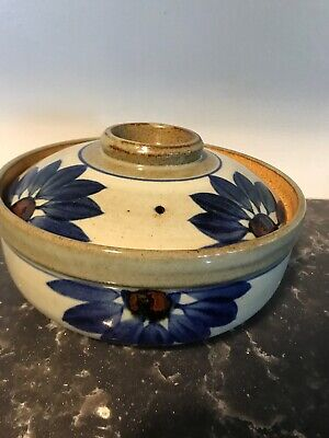 Hand Crafted Pottery Dish Bean Pot Casserole W/Lid Flowers Blue Beautiful Daisy
