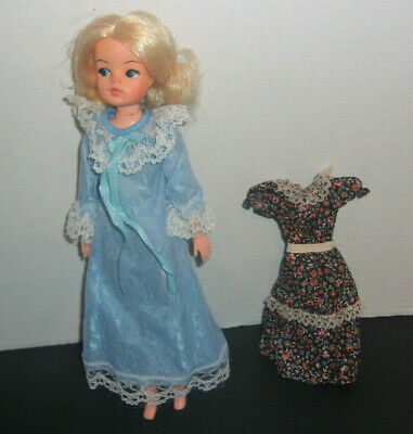Sindy By Brand Company Character Dolls Dolls Amp Bears