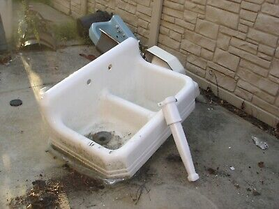 vintage  DOUBLE SINK cast iron from old new york  around 150 years old ? white