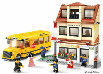 Airport Town Bus Coach cw Figures & Tools Compatible