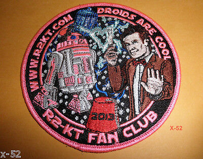 STAR WARS R2-KT droid + DOCTOR WHO pink BADGE FAN CLUB matt smith TARDIS toy