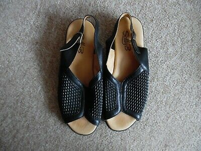 New.Collection Sally B Sandals.Size UK 41. Black.100% Leather.