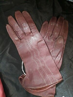 women's vintage oxblood leather gloves in good condition