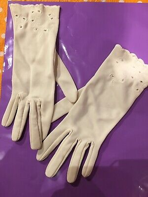 Beautiful Vintage Cream Ladies Gloves, Races, Wedding, Broderie Anglaise