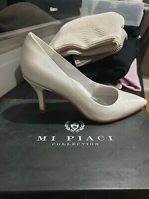 Women's Wedding /Special Occasion Ivory Satin Shoes 38 Like New
