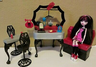 Monster High Doll Die Ner Playset w/Draculaura Furniture Lot Couch Accessories!