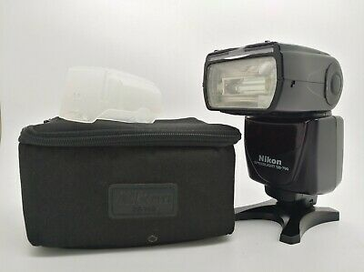 NIKON SB-700 SPEEDLIGHT FLASH - TOP Condition - With Bag and protectors